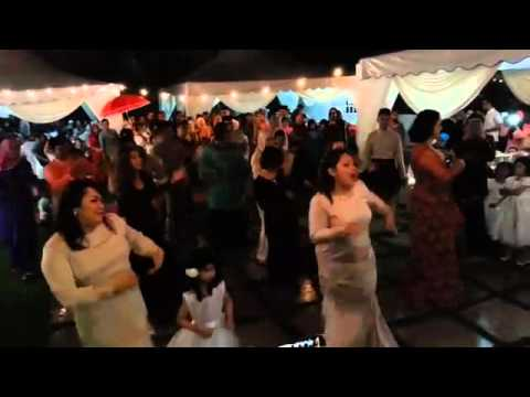 Flash mob malay wedding Bollywood  elsa & syarul