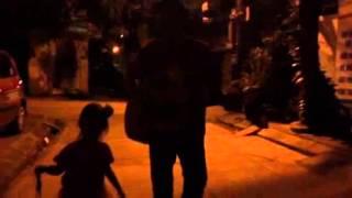 Ba Ngọn Nến Lung Linh - guitar siêu cute của 2 bố con Sue 4