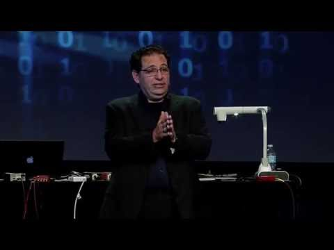 Kevin Mitnick, the World's Most Famous Hacker, Answers Audience Questions at Bloxfest 2016