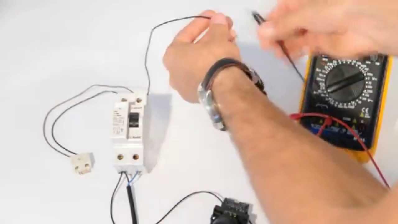 схема на свързване на ел ключ с крушка