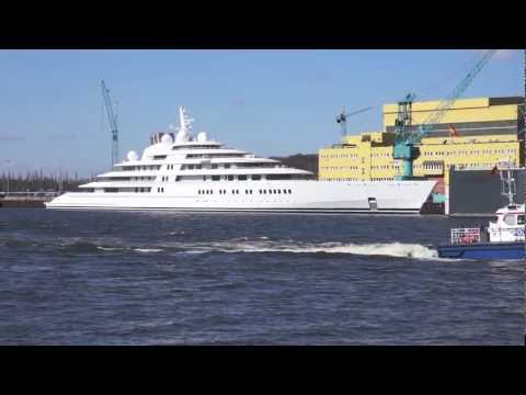 Grösste Yacht der Welt - Azzam - Side Views of the Largest Y