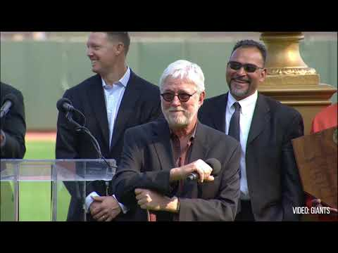 Krukow gets emotional during speech at Willie McCovey memorial