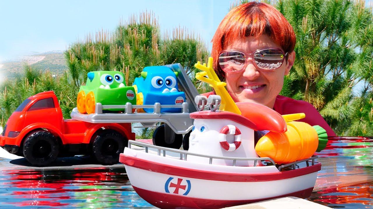 Машинки и кораблик Элаяс у бассейна. Маша Капуки и новый сборник видео для детей