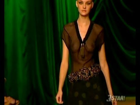 Best of Caroline Trentini fashion show 4