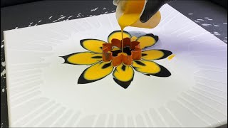 Acrylic Pouring QUEEN BEE!! Fluid Painting Cookie Cutter Pour! Wigglz Art Easy Beginners!!