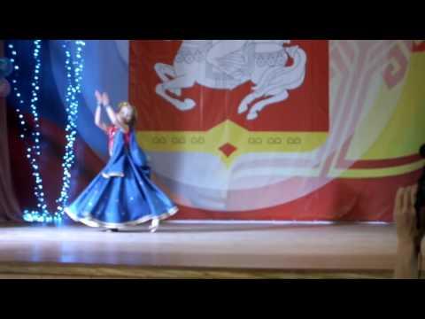 Индийский танец 'Мани,мани...' Ульяна