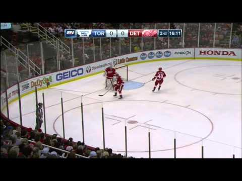 Gotta Hear It: Red Wings, Leafs fans goes to war over cheer