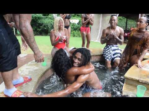 House party gone WILD!!! mkare 1Kaynak: YouTube · Süre: 1 dakika1 saniye
