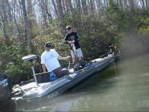 Kayak fishing sailing lake anna va south of 208 bridge for Lake anna fishing