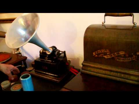 circa 1890 non-electric Thomas Edison GEM working phonograph  (1)