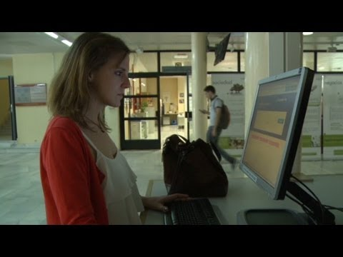 Spain's jobless youth head abroad