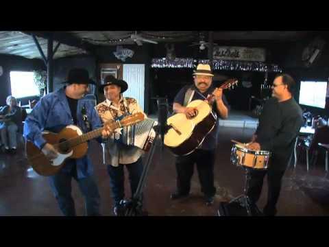 Los Texmaniacs perform