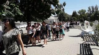 """Марш вишиванок у Пологах. Пісня Олега Винника """"Вишиванка""""."""