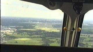 Landung Hamburg Flughafen aus dem Cockpit