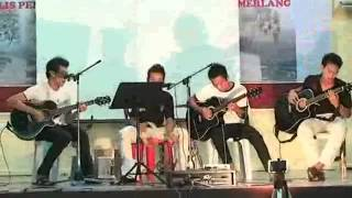 Jeff Conrad Cover Song Aku Skandal, Hujan