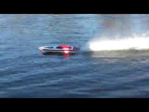 Offshore club de Paris : bateaux à l'entrainement - Modélisme naval radiocommandé