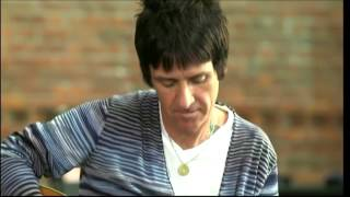 Johnny Marr plays tribute to guitar hero Bert Jansch - 2015