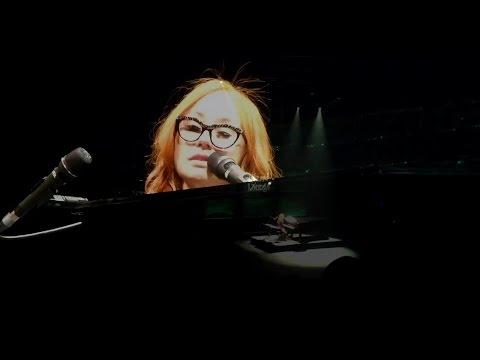 Watch Tori Amos' Sensual, Scary Live Cover of Radiohead's 'Creep'