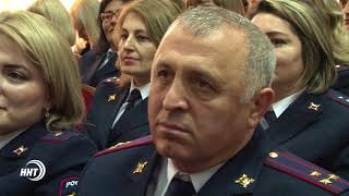 Владимир Васильев поздравил полицейских