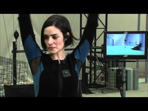 Hitman Absolution Powers Booth and Shannyn Sossamon