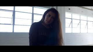 Video Molia - Molia's Interlude/Now You Know (Official Video) download MP3, 3GP, MP4, WEBM, AVI, FLV Januari 2018
