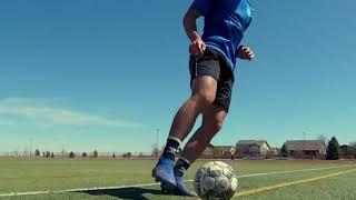 Ведение мяча внешней и внутренней стороной стопы с движением вперед