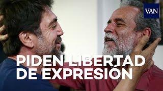 Javier Bardem y Willy Toledo juntos por la libertad de expresión