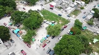 Camellones invadidos en Cancún