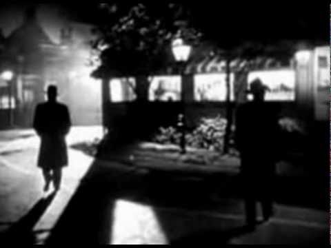 A Walk Into the Noir Night