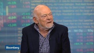 Sam Zell Says He's a Great Believer in Immigration