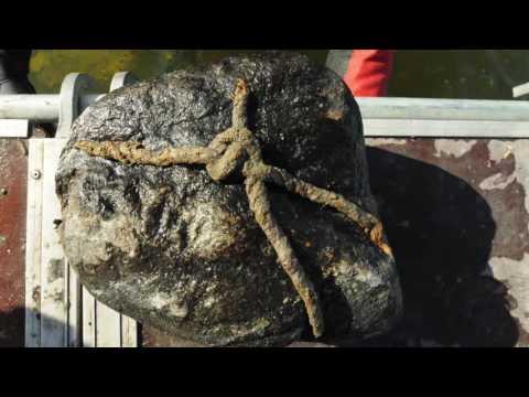 Sten hittad på sjöbottnen i Birkas hamn