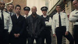 证据不足,警察只能看着杀人魔嚣张离开,不得已动用私刑,杰森斯坦森主演犯罪片