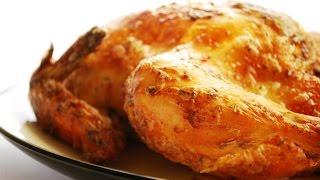 Запеченная курица. Курица запеченная в духовке. Самый простой рецепт запеченной курицы в духовке.