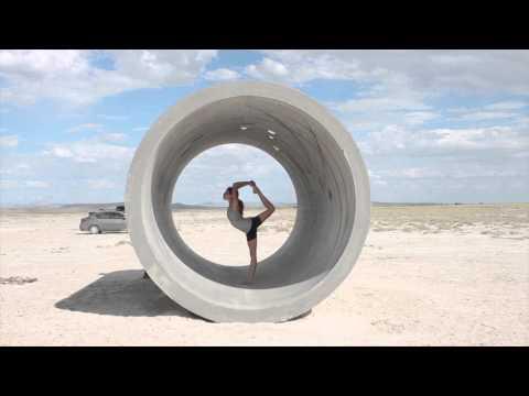 Acro Yoga in the Desert of Utah