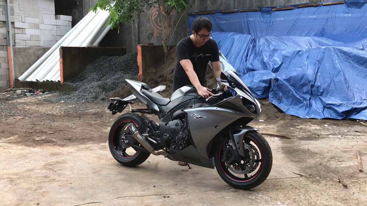 extremly LOUD!! Yamaha r1 with Austin Racing exhaust short Pipe titanium Full System - YouTube