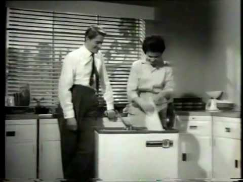 HOOVERMATIC WASHING MACHINE CONFUSED COUPLE VINTAGE TV AD