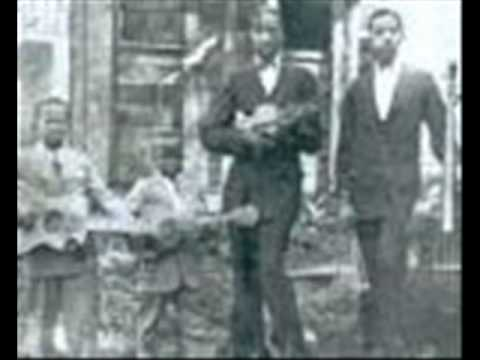 Tennessee Chocolate Drops Knox County Stomp (1930)