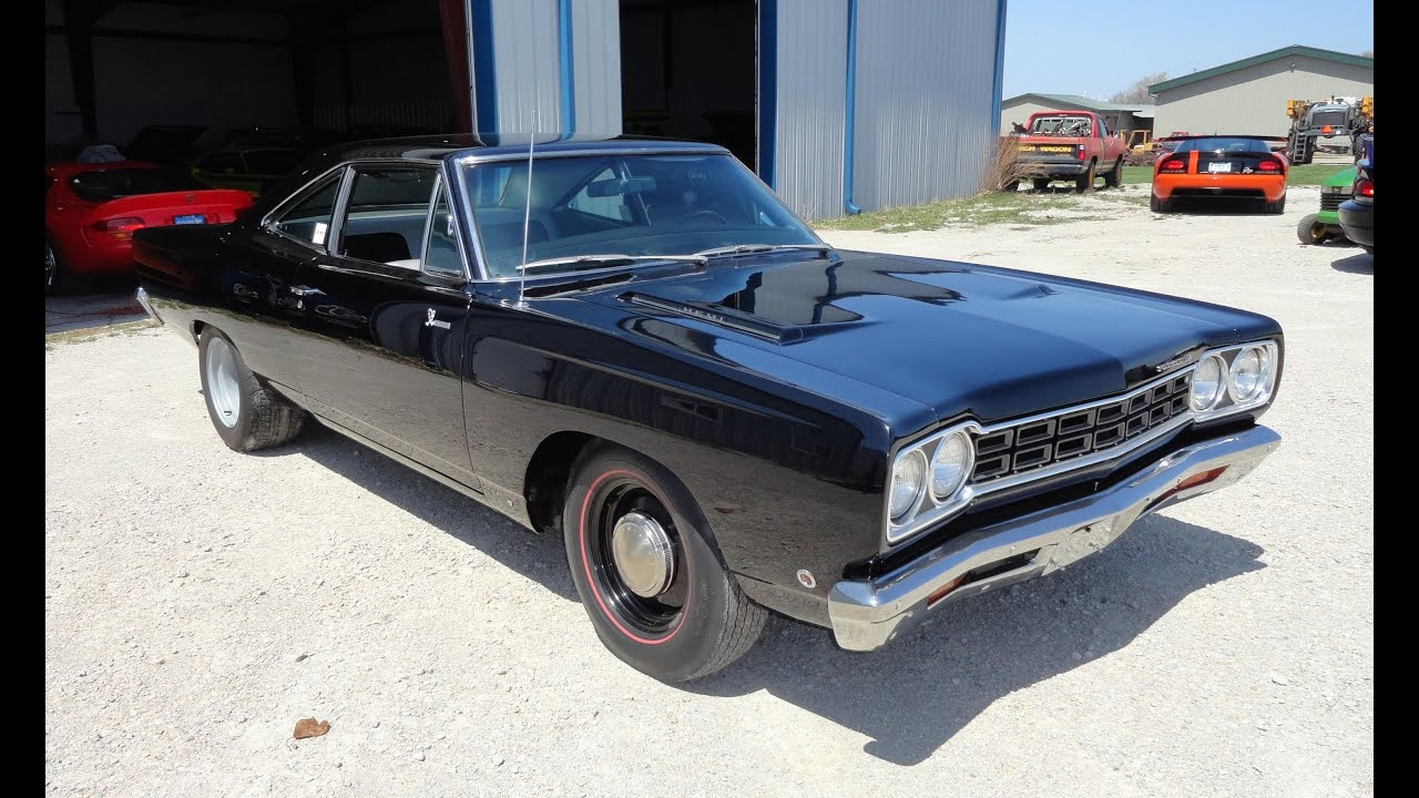 1968 plymouth road runner 426 hemi in black paint