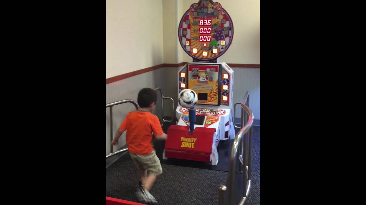 kick the soccer ball game arcade games for kids reviews toys fun