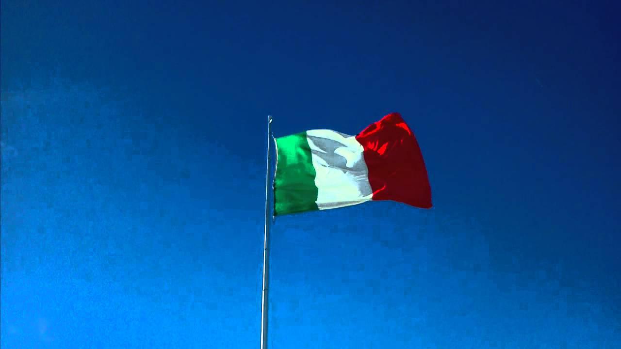 Bandiera d 39 italia ossario di asiago vicenza youtube for Bandiera di guerra italiana