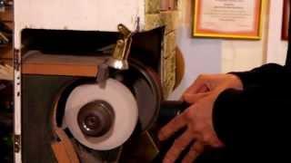 Как поменять набойки. Видео уроки.  Ремонт обуви.(В этом видео, я расскажу как поменять набойки на обувь. Это первая часть видео, в которой коснусь одного..., 2013-10-10T10:50:46.000Z)