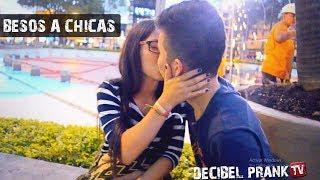 BESANDO DESCONOCIDAS ❤ TOCANDO BOOBIES | BESOS FÁCILES | KISSING PRANK