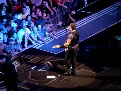 Springsteen - Save the Last Dance for Me - The Spectrum October 20, 2009