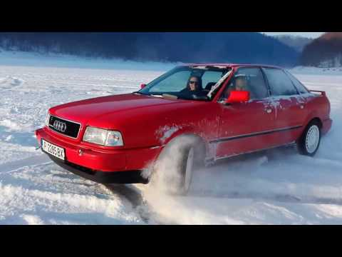 Audi 80 B4 2.8 Quattro on the ice