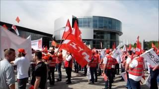 Warnstreik am Audi-Forum(Am 10.05.2016 fand ein Massen-Warnstreik auf der Piazza des Audi-Forums mit knapp 15.000 Mitarbeitern von Audi, Airbus, Conti Temic, Elektro-Metall, ..., 2016-05-10T12:27:54.000Z)