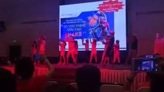 Gambar cover Sống với vũ điệu tuổi trẻ
