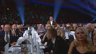Här lurar Henrik Schyffert landslagsspelarna på Fotbollsgalan - TV4 Sport