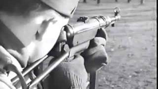 WW2 German MP-40 Machine Pistol