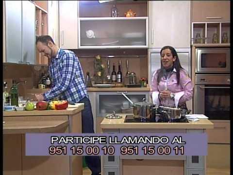 PTV Málaga: Mesa y Mantel -Ensalada couscous y brocheta. Bolsitas crujientes piña- 14 Febrero 2013