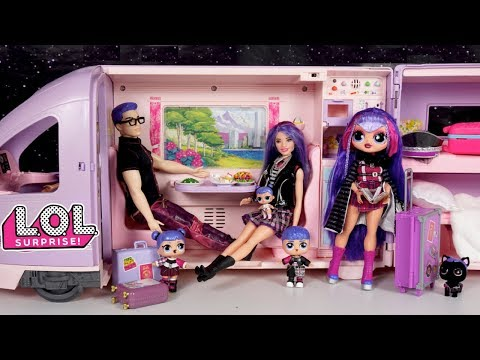 Barbie LOL Family Travel Evening Routine & Winter Chalet Vacation Mystery